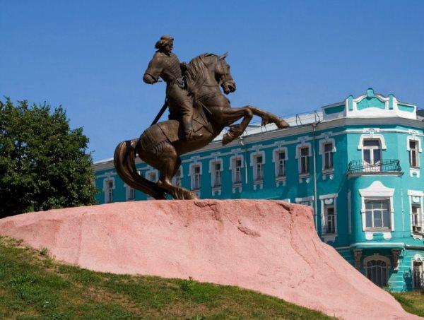 памятники в рязани фото и описание